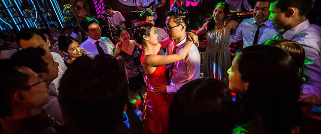 1 histoire de mariage premi re danse avec syone et tiff au restaurant chinatown olympiades. Black Bedroom Furniture Sets. Home Design Ideas