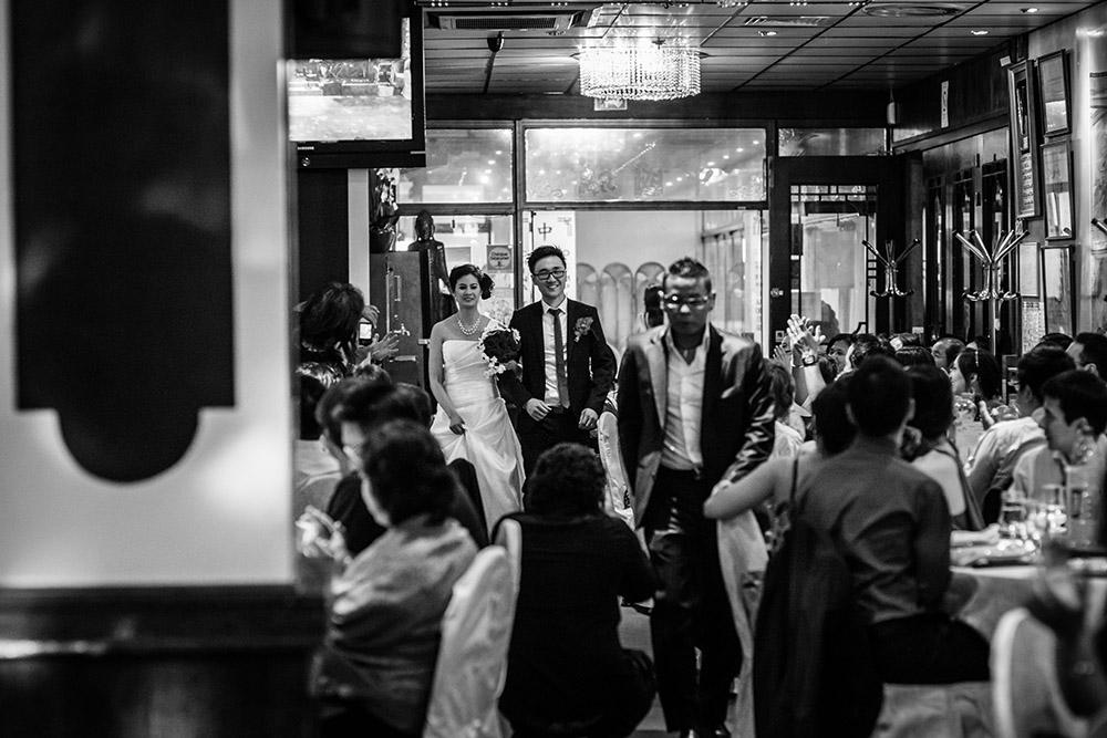 entrée des mariés dans la salle de mariage