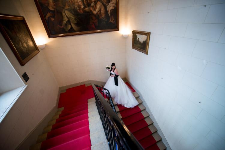 escalier rouge de la mairie de lagny-sur-marne
