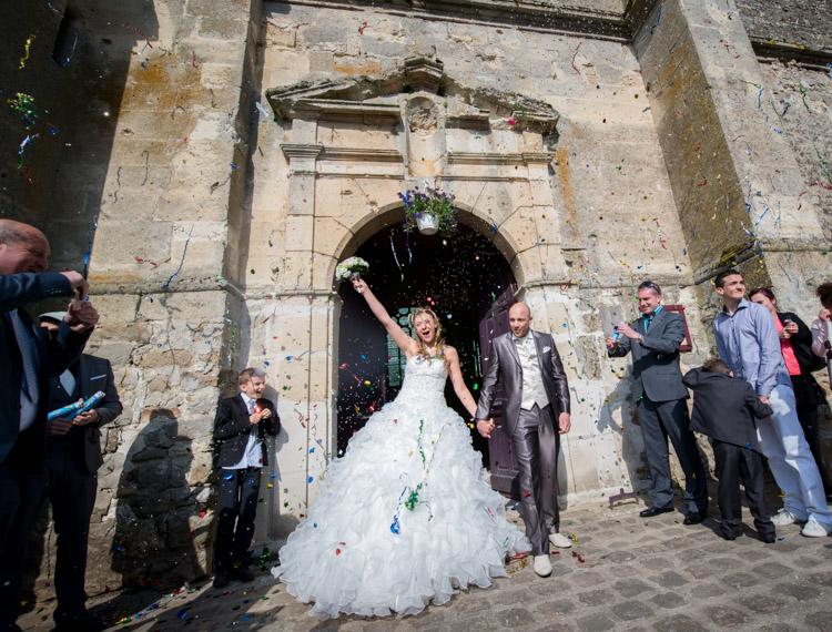 sortie des d'église des mariés à Chézy-en-orxois