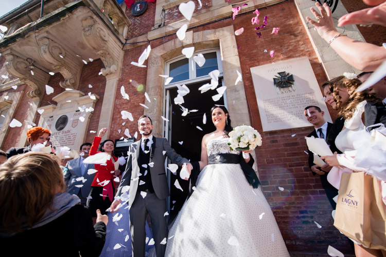 sortie des mariés à la marie de lagny-sur-marne