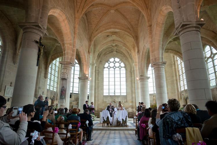 cérémonie religieuse à l'église de chézy-en-orxois