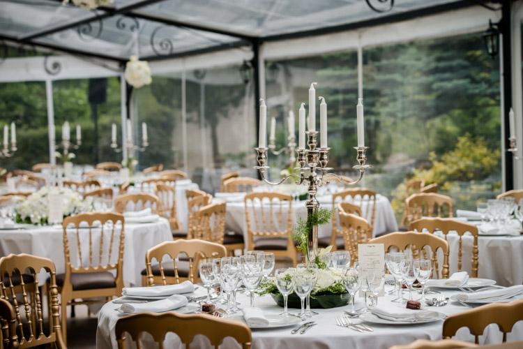 salle de mariage côté terrasse du château de Gency