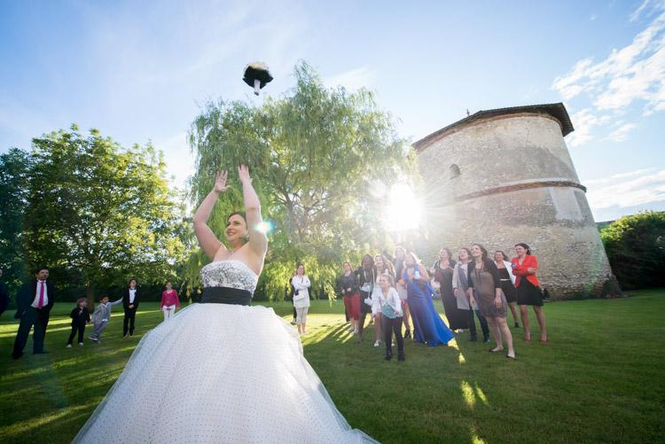 lancer-du-bouquet-de-mariage