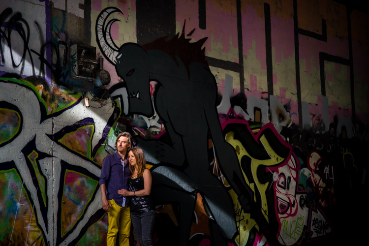 tunnel taggé de graffitis