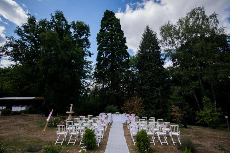 Chateau-des-Clos-ceremonie-religieuse-exterieur