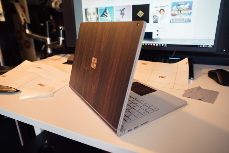 Dbrand-surface-book-skin-bois-fonce