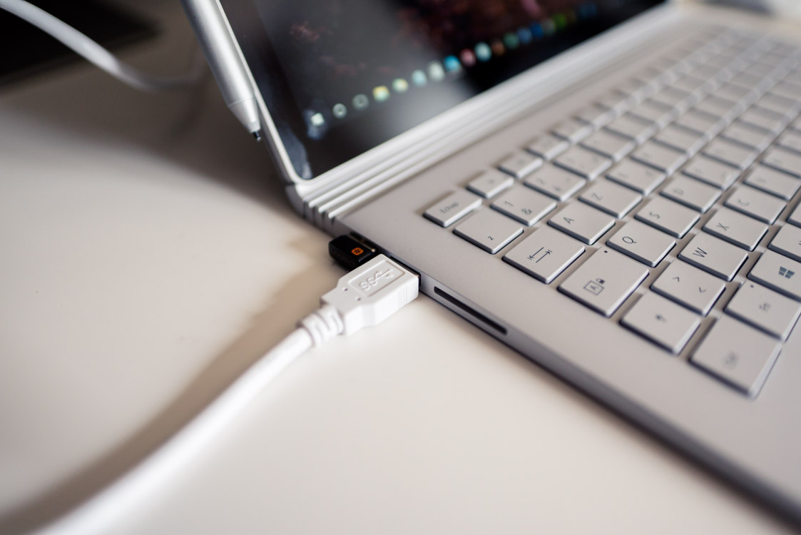 2 ports USB sur la Surface Book
