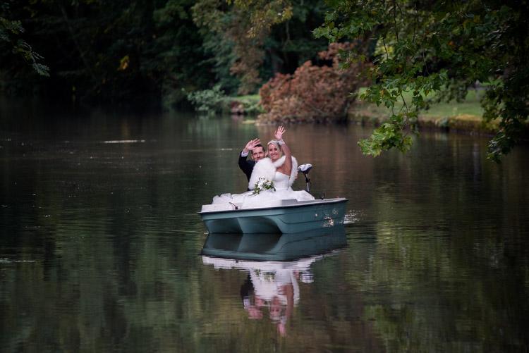 Arrivée des mariés sur la barque depuis l'Eure