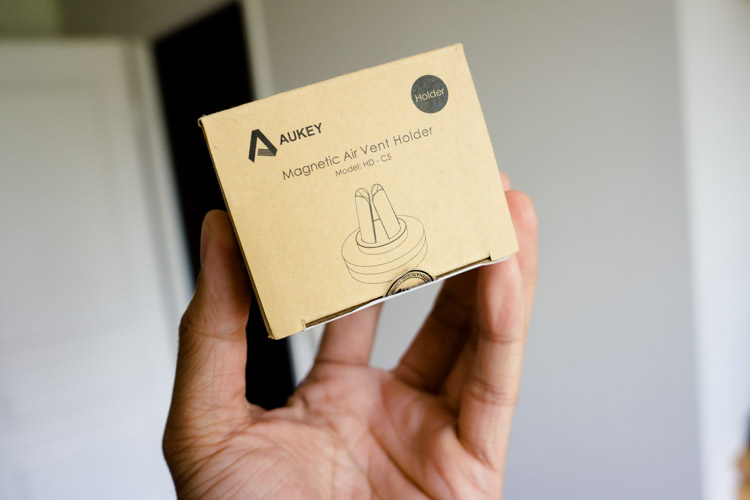 aukey-support-telephone-magnetique