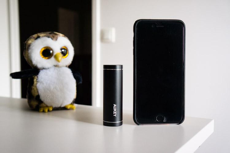 comparaisons de la taille de la batterie aux côtés de l'iphone 6 plus