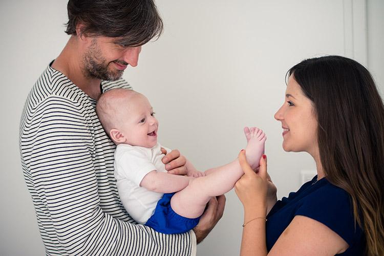 photo de bébé avec les parents