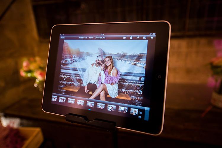 les photos se transfèrent sur tablette numérique