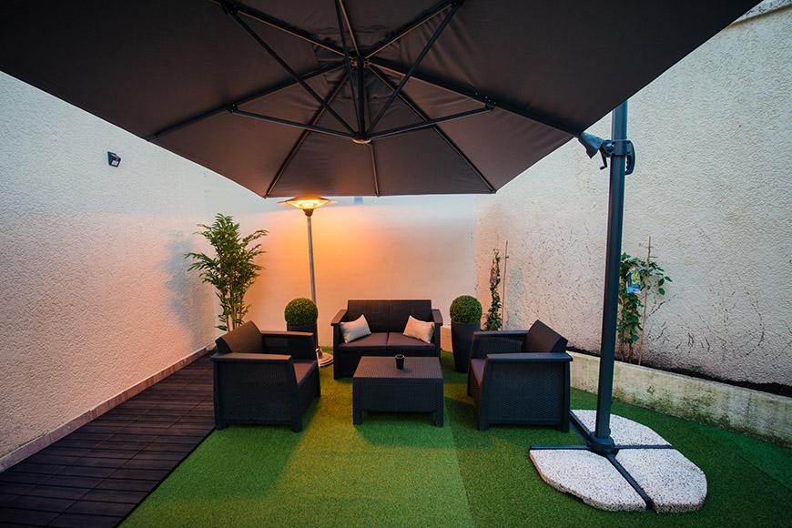 terrasse chauffée avec parasol sans vis-à-vis